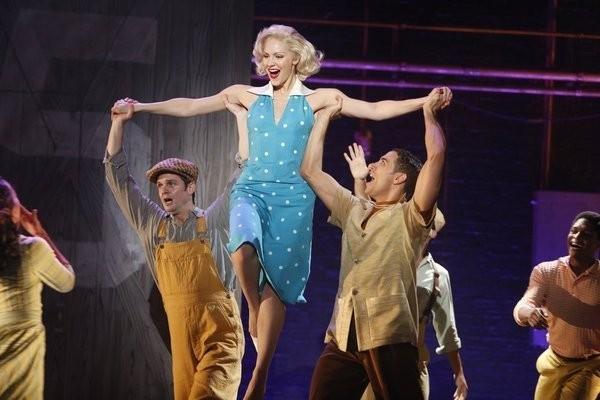 Smash: Una scena dell'episodio On Broadway