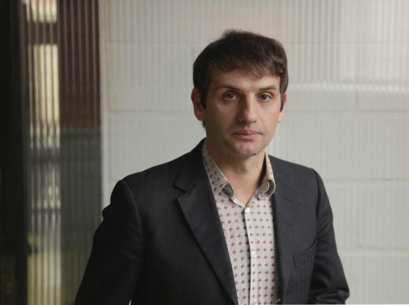 Tip Top: Serge Bozon, regista del film, in una foto promozionale