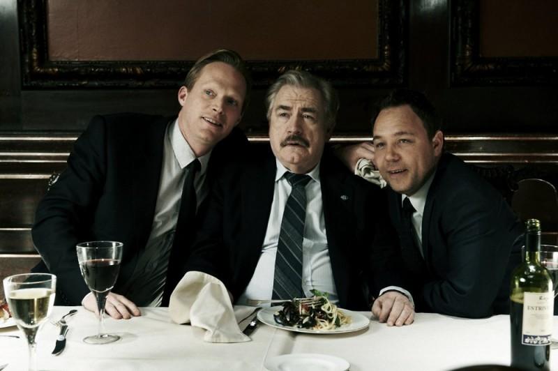 Blood: Paul Bettany, Stephen Graham e Brian Cox in una scena