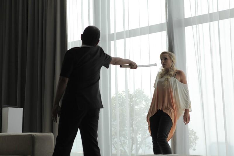 Only God Forgives: Vithaya Pansringarm con Kristin Scott Thomas in una scena del film