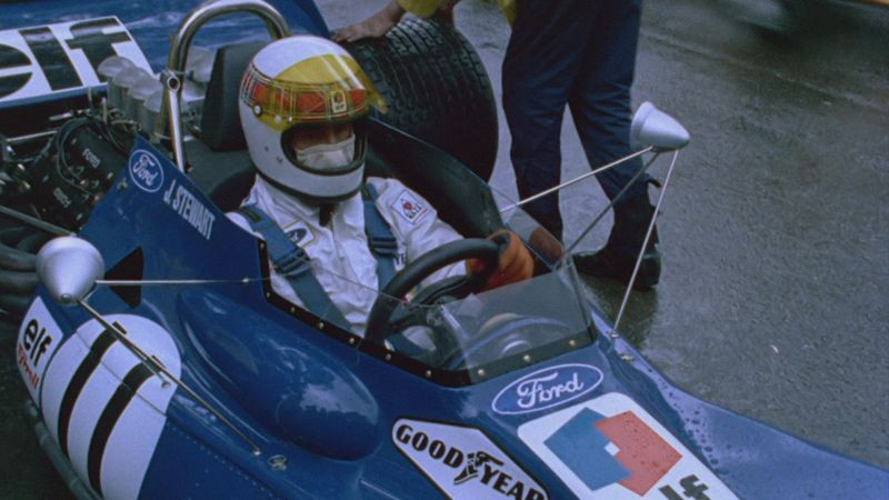 Weekend of a Champion: il pilota Jackie Stewart in una scena del documentario
