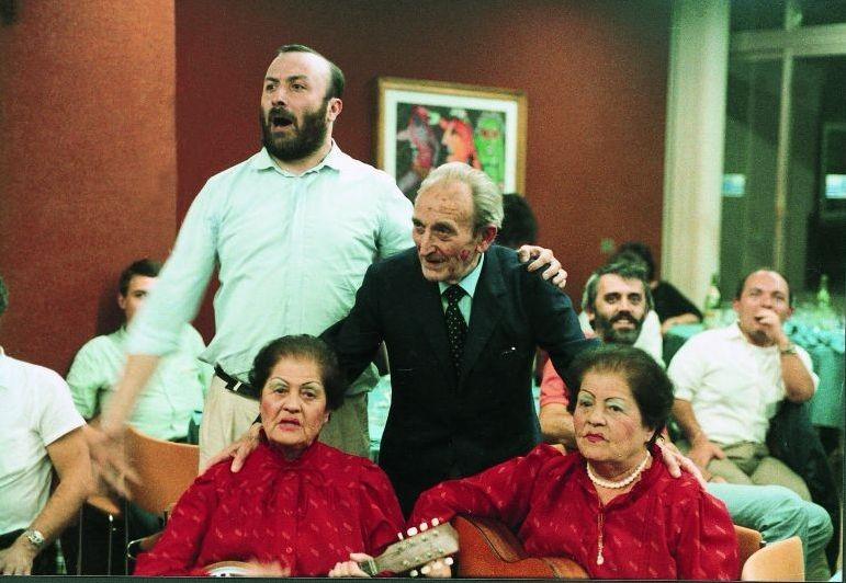 Slow Food Story: Carlo Petrini con le gemelle Nete e Amilcare Rambaldi al Club Tenco