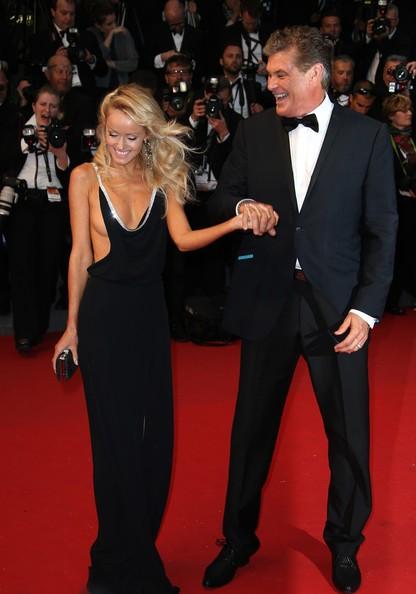 David Hasselhoff e Hayley Roberts sul red carpet della serata inaugurale di Cannes 2013