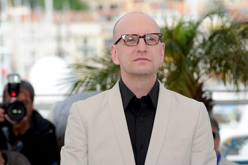 Behind the Candelabra: il regista Steven Soderbergh in posa durante il photocall del Festival di Cannes 2013