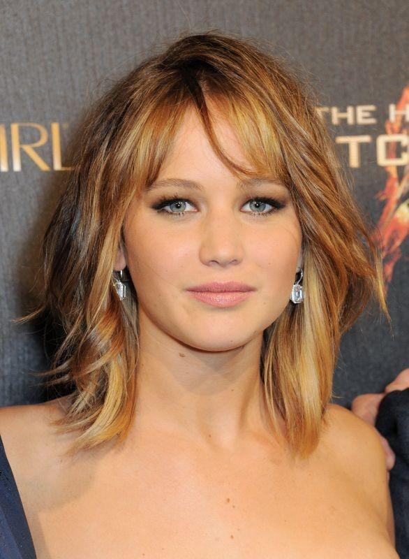 Hunger Games: la ragazza di fuoco, un bel primo piano di Jennifer Lawrence durante la festa di Covergirl a Cannes 2013