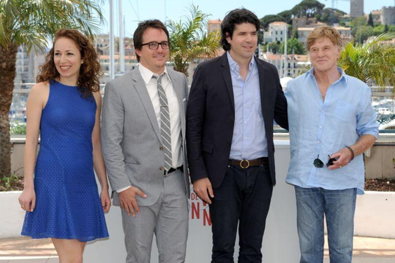 All Is Lost: Robert Redford durante il photocall del film a Cannes 2013 insieme al regista J.C. Chandor e ai produttori Anna Gerb e Neal Dodson