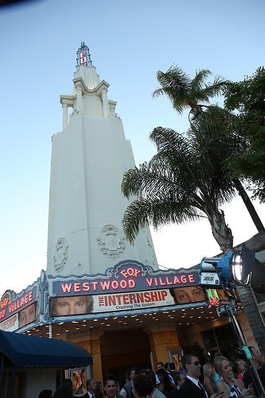 Gli stagisti: il cinema in cui si è tenuta la premiere del film a Westwood