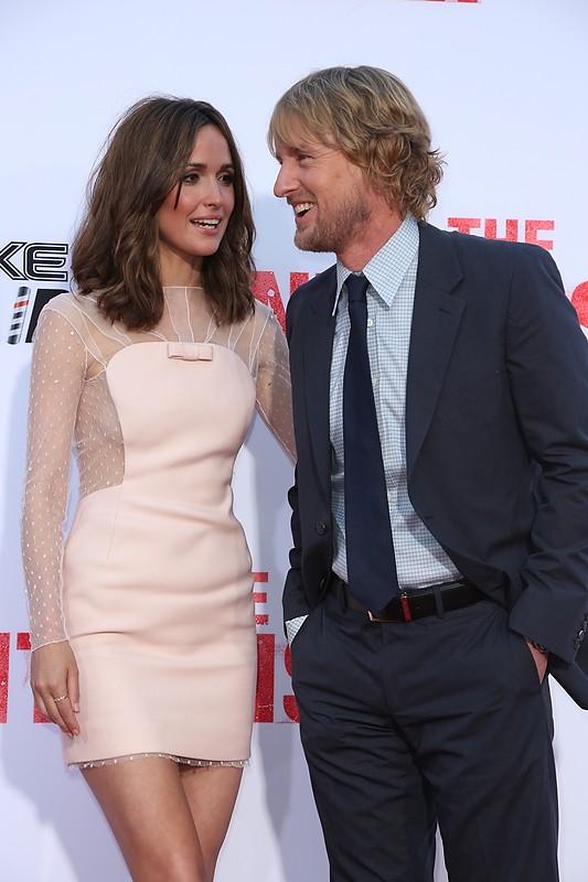 Gli stagisti: Rose Byrne sorride a Owen Wilson sul red carpet della premiere del film a Westwood