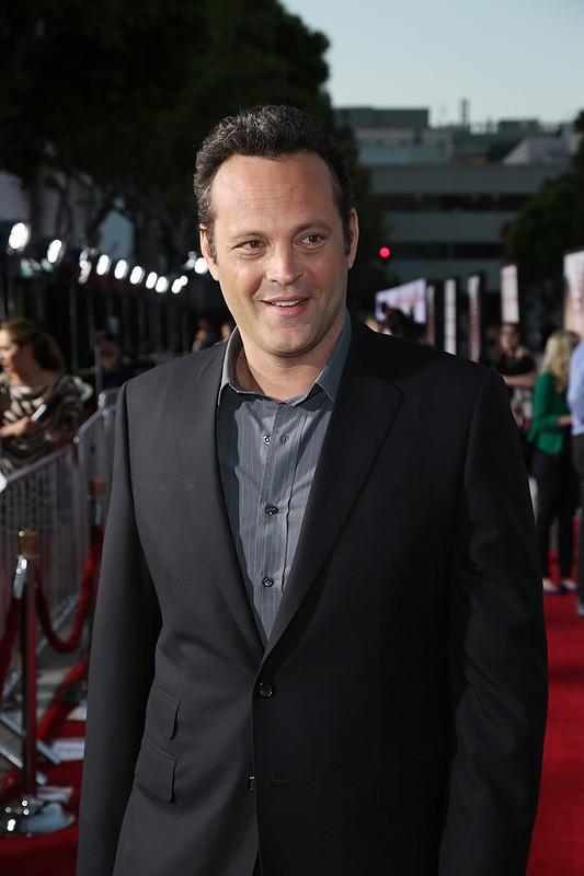 Gli stagisti: Vince Vaughn sorride sul red carpet della premiere del film a Westwood