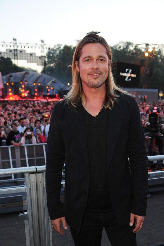 World War Z: Brad Pitt prima del concerto dei Muse a St. James Park