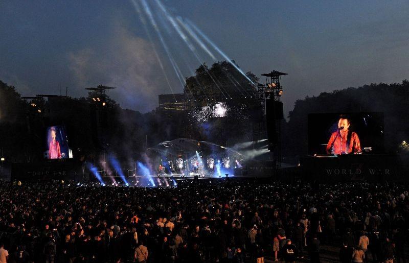 World War Z: un'immagine del concerto dei Muse a St. James Park