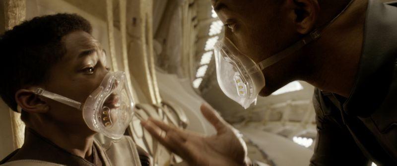 Will Smith e Jaden Smith in After Earth - Dopo la fine del mondo