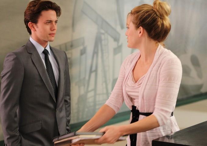 Shiloh Fernandez e Brittany Snow in una scena di Syrup