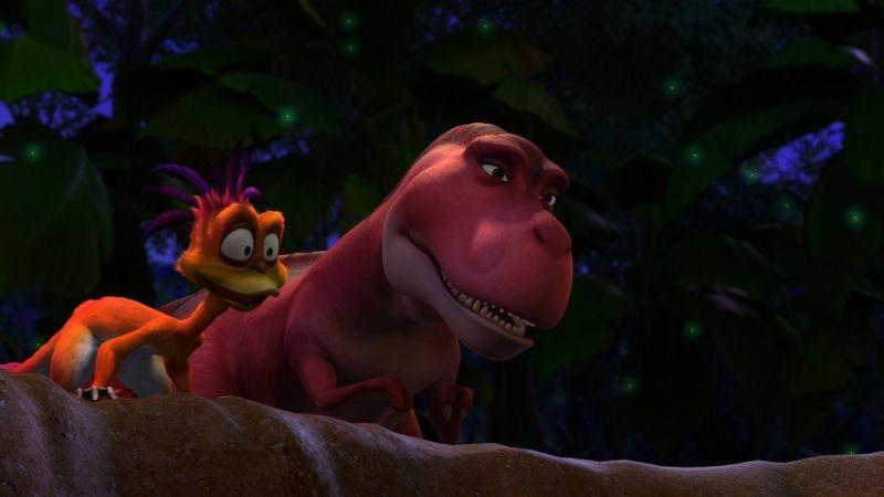 Dino e la macchina del tempo: colorati dinosauri in una scena del film