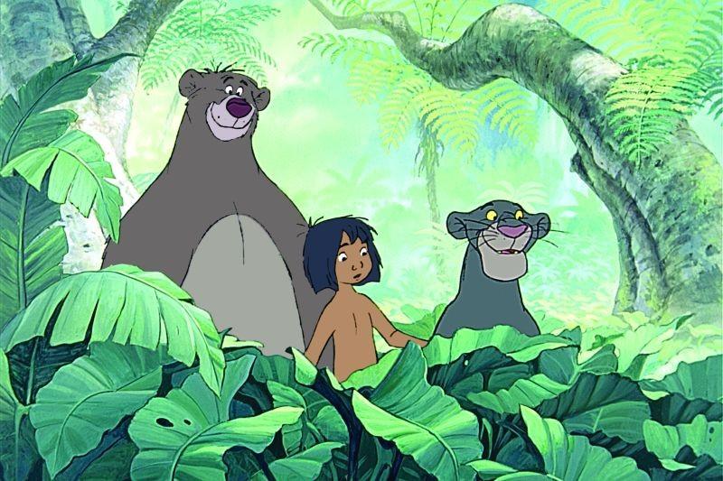 Il libro della giungla: Mowgli con la pantera Bagheera e l'orso Baloo in una scena