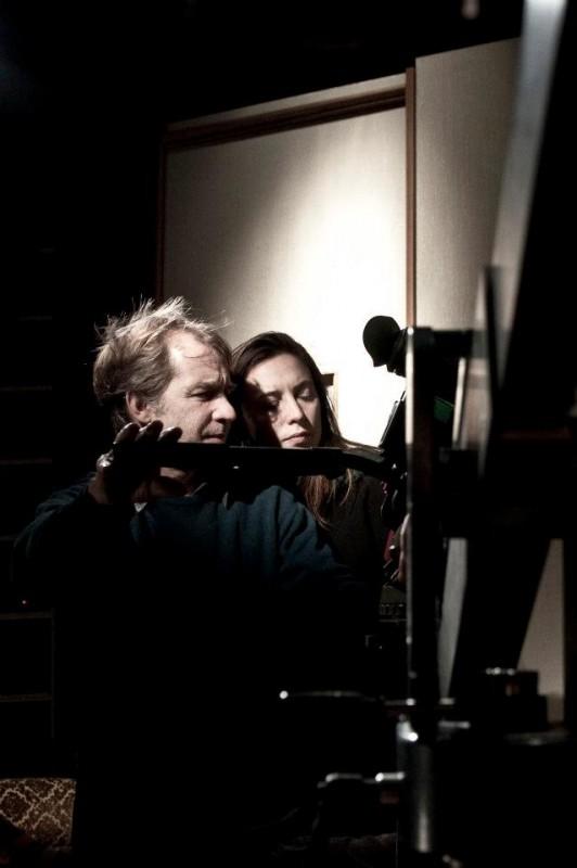 Tra cinque minuti in scena: la regista Laura Chiossone sul set con Alessio Viola