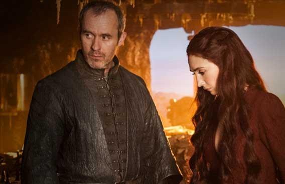 Il trono di spade: Stephen Dillane e Carice van Houten in una scena dell'episodio Mhysa