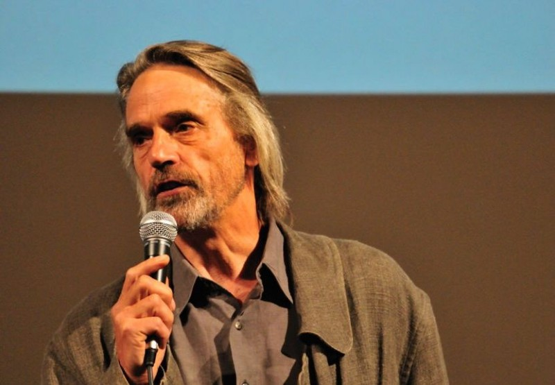 Trashed: Jeremy Irons a Firenze per l'anteprima nazionale del documentario ecologista