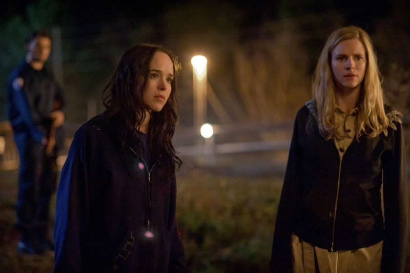 The East: Ellen Page in una scena del thriller insieme a Brit Marling