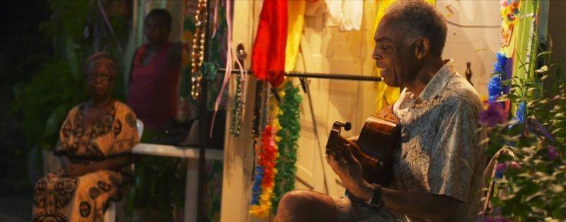 Viramundo: Gilberto Gil in concerto a Bahia in un momento del film
