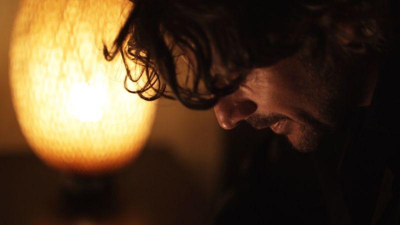 Oggetti smarriti: Roberto Farnesi nei panni di Guido in una scena del film