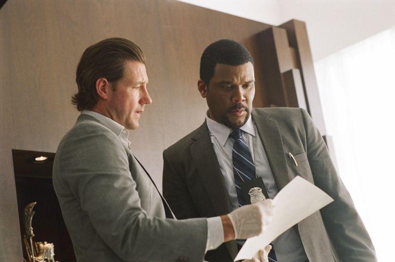 Tyler Perry con Edward Burns in una scena di Alex Cross