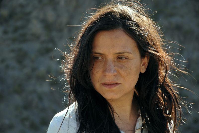 Violeta Went to Heaven: Francisca Gavilán è Violeta Parra in una scena del film