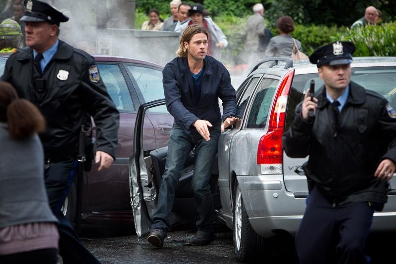 World War Z: Brad Pitt in una scena del film di Marc Forster