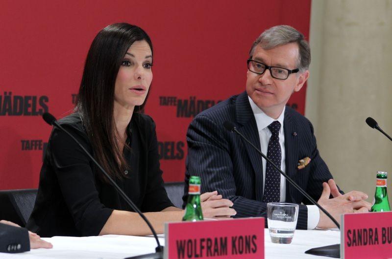 Corpi da reato: Sandra Bullock insieme a Paul Feig durante la conferenza stampa della premiere berlinese del film