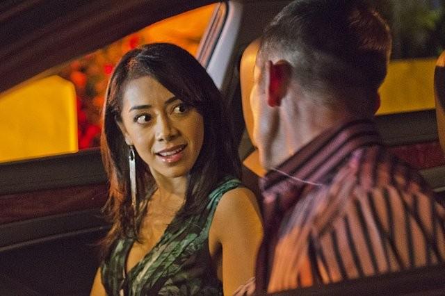 Dexter: Desmond Harrington ed Aimee Garcia nell'episodio Every Silver Lining
