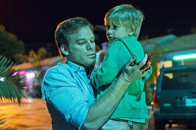 Dexter: Jadon Wells e Michael C. Hall nell'episodio A Beautiful Day