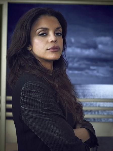 Graceland: Vanessa Ferlito in una immagine promozionale della serie