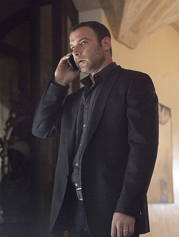 Ray Donovan: Liev Schreiber in una scena dell'episodio A Mouth Is a Mouth
