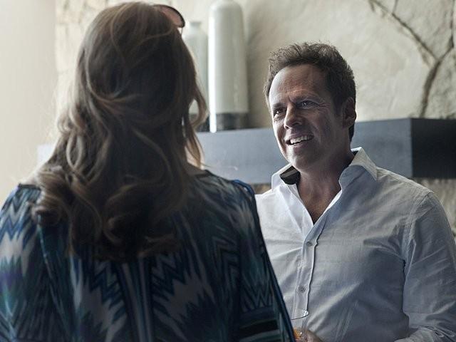 Ray Donovan: Paula Malcomson e Josh Pais nel pilot della serie