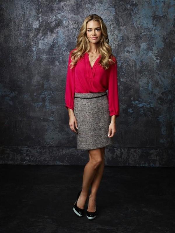 Twisted: Denise Richards in una immagine promozionale della serie