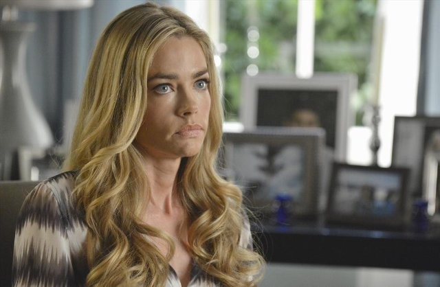 Twisted: Denise Richards nell'episodio Grief is a Five-Letter-Word