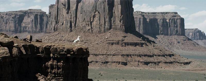 The Lone Ranger: il cavallo Silver in una scena dell'avventuroso film di Gore Verbinski