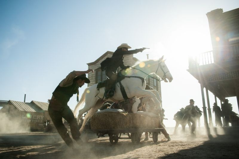 The Lone Ranger: una scena d'azione del film di Gore Verbinski