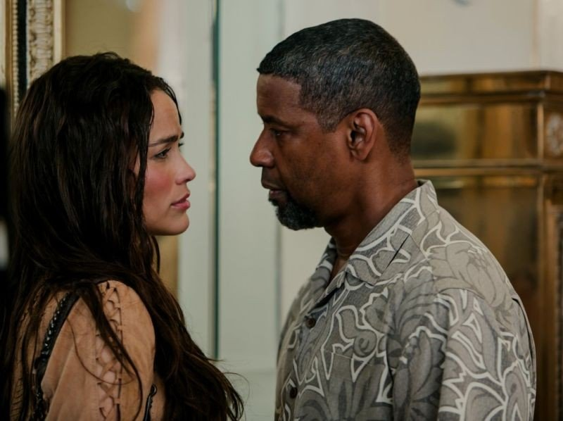 Cani sciolti: Paula Patton e Denzel Washington in una scena del film