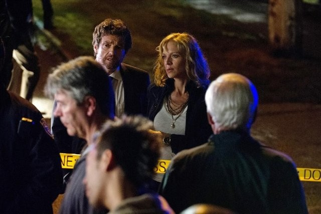 Motive: Kristin Lehman, Louis Ferreira e Joey McIntyre in una scena della serie