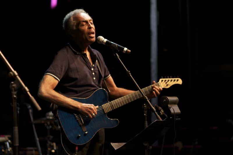 Viramundo: Gilberto Gil in concerto in una scena del documentario