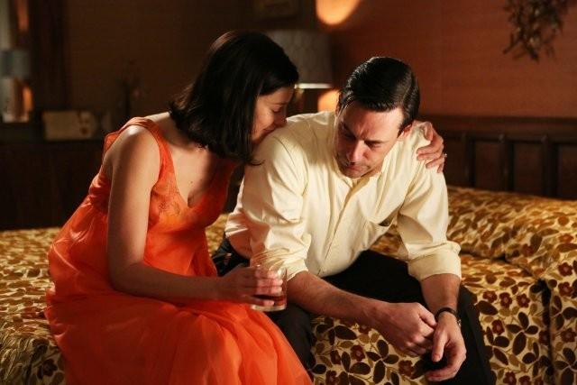 Mad Men: Jon Hamm e Jessica Paré nell'episodio The Flood