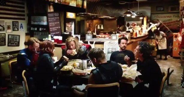 The Avengers: la cena a base di shawarma dopo i credits del film