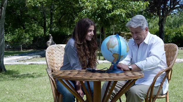 Esther Garrel con Didier Bezace in Jeunesse