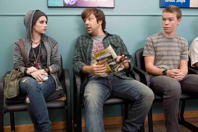 Come ti spaccio la famiglia: Emma Roberts con Will Poulter e Jason Sudeikis in una scena