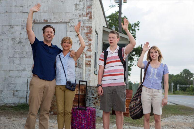 Come ti spaccio la famiglia: Jennifer Aniston, Emma Roberts, Will Poulter e Jason Sudeikis in una scena