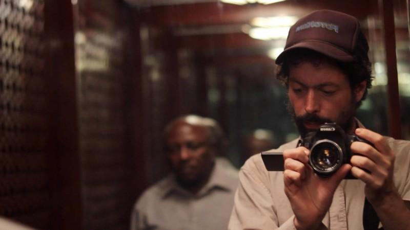 White Shadow: il regista Noaz Deshe sul set