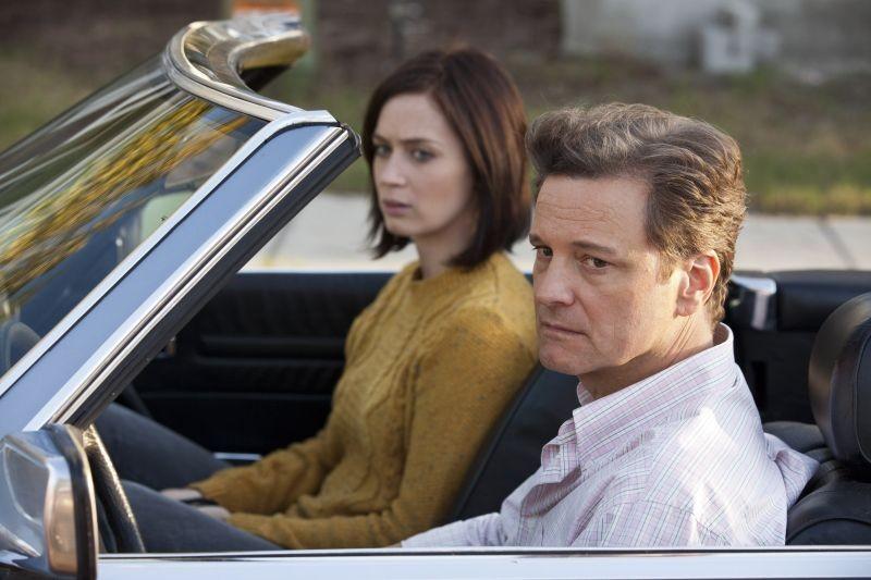 Il mondo di Arthur Newman: Emily Blunt con Colin Firth in una scena del film