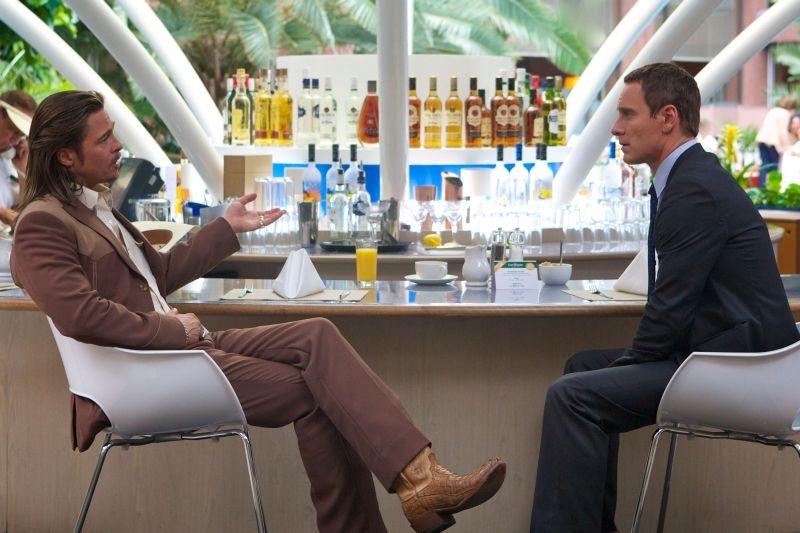 The Counselor - Il procuratore: Brad Pitt insieme a Michael Fassbender in una scena del film