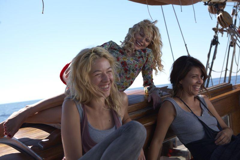 Una piccola impresa meridionale: Barbora Bobulova, Sarah Felberbaum e Claudia Potenza sul set